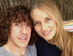 Puyol e mulher (Foto: Reprodução / Instagram)