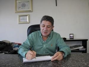 Eduardo Dalmora (PDT), prefeito de Matinhos, é favorável a um carnaval mais familiar (Foto: Divulgação/ Prefeitura de Matinhos)