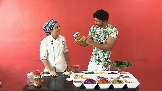 Salada no pote é o novo hit gourmet  (Foto: TV  Sergipe)