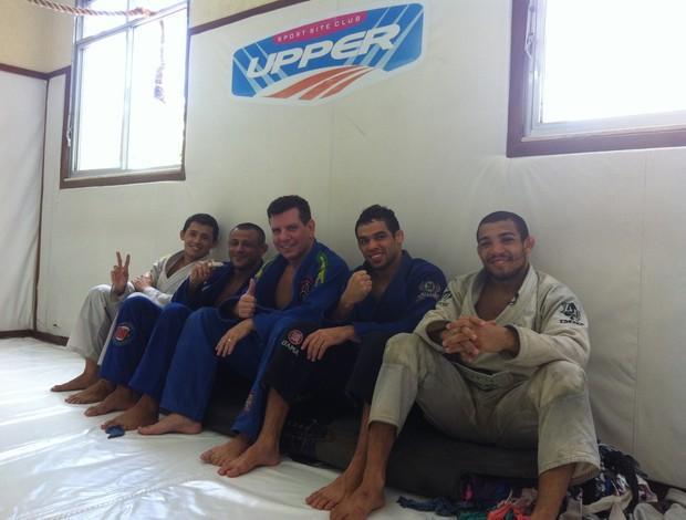 Dudu Dantas, Marlon Sandro, Dedé Pederneiras, Renan Barão e José Aldo MMA UFC (Foto: Ana Hissa/ SporTV.com)