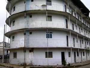 Queda prédio Juiz de Fora (Foto: Reprodução/TV Integração)
