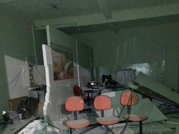 Explosão em posto de serviço de Santa Maria do Cambucá (Foto: Marcos Araújo/ Blog Patrulha do Agreste)