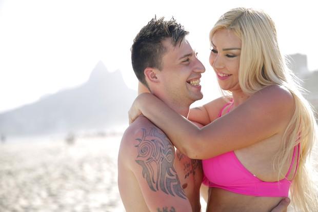 Patrícia Ribeiro e o noivo, Fábio Andrade (Foto: Marcos Serra Lima/EGO)