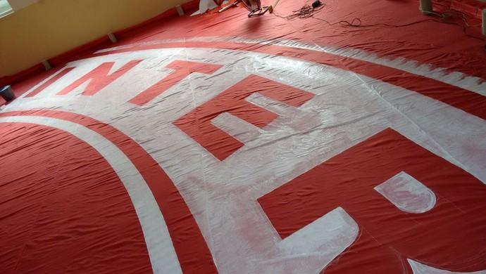 Inte prepara bandeirão para o Beira-Rio (Foto: Inter / DVG)