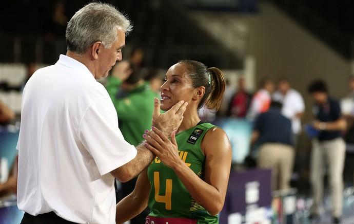 Adrianinha basquete brasil (Foto: FIBA)