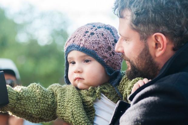Selton Mello com o bebê Miguel no set de 'O filme da minha vida' (Foto: Divulgação/Paula Huven)