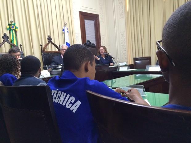 Alerj recebe alunos da Faetec para discutir ocupação de unidades no RJ (Foto: Gabriel Barreira/G1)