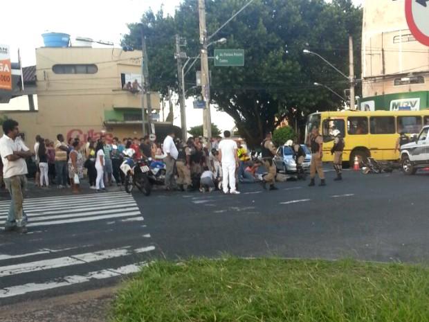 Vítimas foram levadas em estado grave para o HC-UFU (Foto: Polícia Militar/Divulgação)