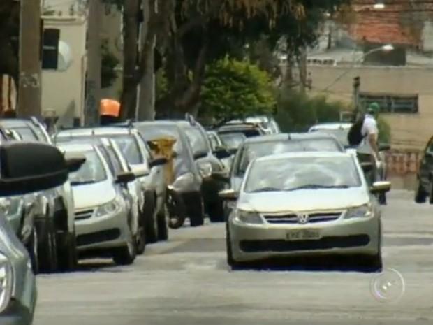Foram registrados mais de 273o veículos em 2013, em Sorocaba (SP) (Foto: Reprodução/TV Tem)