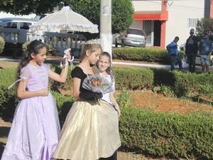 Estudantes representaram a Dona Beja Araxá (Foto: Prefeitura de Araxá/Divulgação)