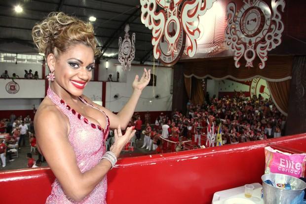 Ana Paula Evangelista é coroada (Foto: Thyago Andrade / Foto Rio News)