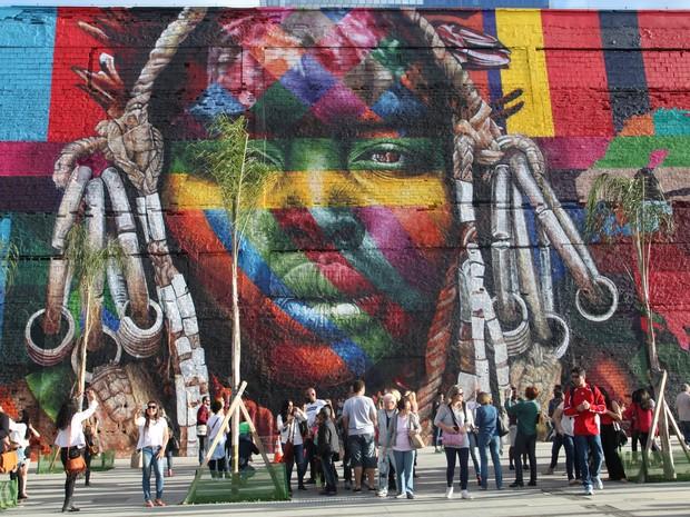 Mural 'Etnias', do grafiteiro Eduardo Kobra, foi grande sucesso durante a Olimpíada (Foto: Divulgação/Estúdio Retrato)