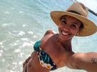 Sheron Menezzes posa de biquíni no Caribe