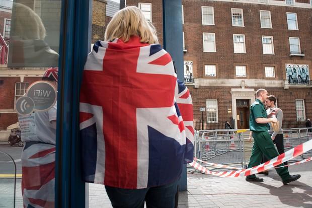 Ingleses já esperam nascimento do bebê real (Foto: AFP)