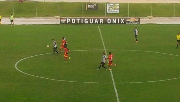 Globo FC x ABC, no Estádio Barretão, em Ceará-Mirim (Foto: Antonio Netto)