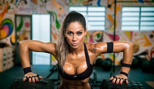 Mayra Cardi mora na Califórnia desde 2014. Após participar do BBB9, se enveredou pela carreira de nutrição esportiva e lançou o projeto secavoce (Foto: Reprodução Instagram)