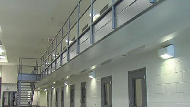 O presídio de Rockview, na Pensilvânia; segundo ação, não havia barreiras entre blocos de detentos e escritórios de funcionários à época do crime (Foto: Reprodução / SCI Rockview)