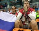 """Fora dos Jogos? Isinbayeva curte dia de torcedora no Rio: """"Muito feliz""""; veja"""