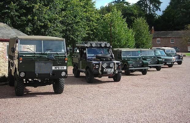 Família de modelos Land Rover Defender (Foto: Marcus Vinicius Gasques/Autoesporte)