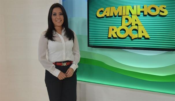 Cinthia Mitsumori, apresentadora do Caminhos da Roça  (Foto: Reprodução/EPTV)