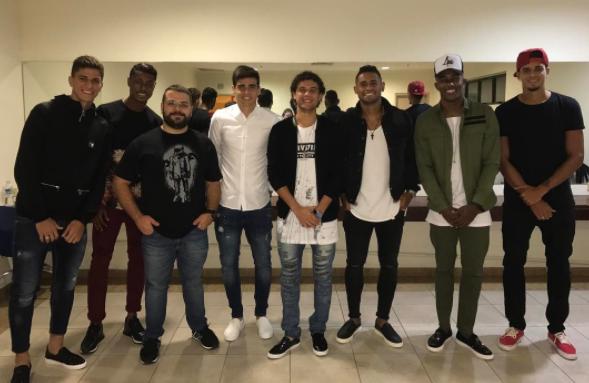 BLOG: Jogadores do Santos vão a show do humorista Whindersson Nunes; veja fotos