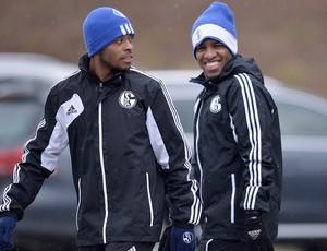 Farfan e Michel Bastos no treino do Schalke 04 (Foto: AP)