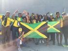 Jamaicanos são tietados no Engenhão em dia de Usain Bolt