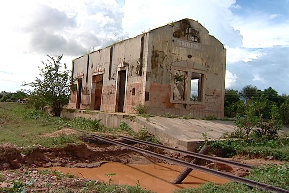 Estrago causado pelo rompimento da Barragem de Algodões (Foto: Magno Bonfim/Tv Clube)