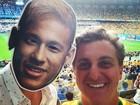 'Somos todos Neymar': famosos usam máscara com rosto do jogador em dia de partida Brasil X Alemanha