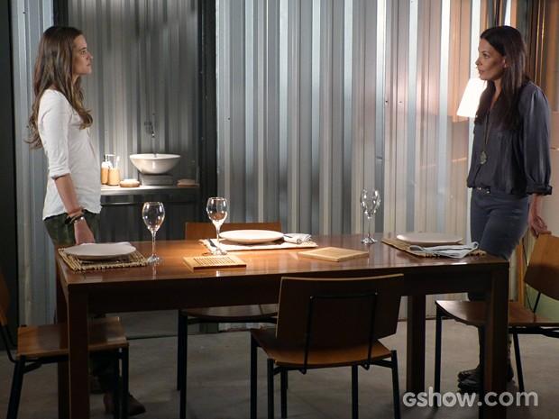 Lili manda a real na cara de Tereza: 'Destruidora de lares' (Foto: Além do Horizonte/TV Globo)