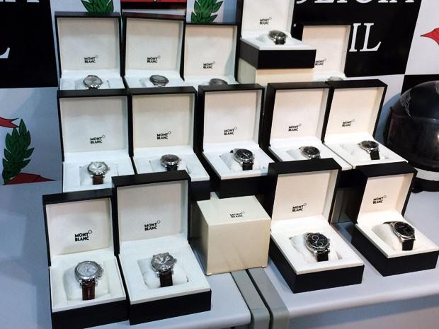 Relógios importados estavam entre os itens roubados (Foto: Mariane Peres/G1)