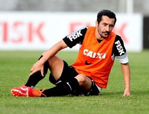 Douglas treino Corinthians (Foto: Marcos Ribolli / Globoesporte.com)