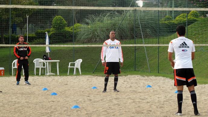 Hernane e Alecsandro Flamengo na Caixa de Areia (Foto: Hector Werlang)