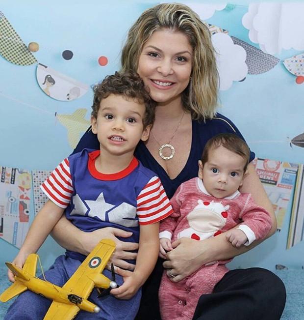 Bárbara Borges e filhos (Foto: Reprodução)
