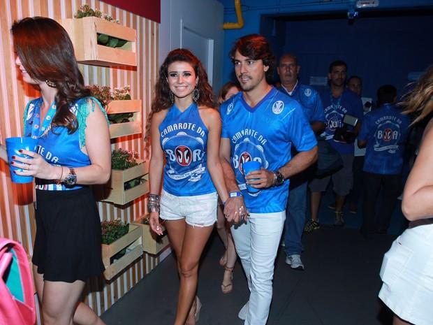 Paula Fernandes com o namorado (Foto: Marcello Sa Barretto/AgNews)