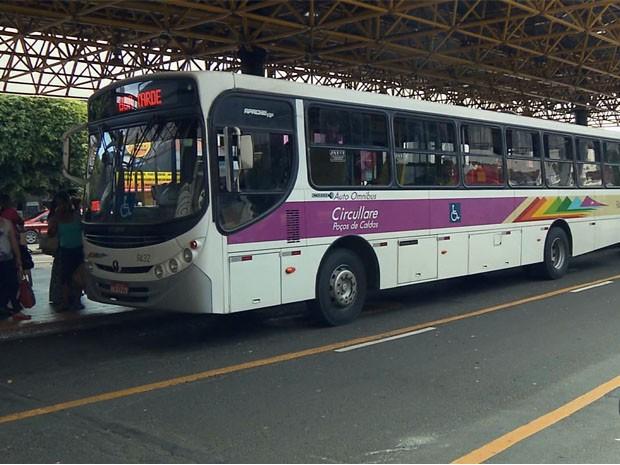 Passagem de ônibus segue R$ 2,80 em Poços de Caldas, MG (Foto: Reprodução EPTV)
