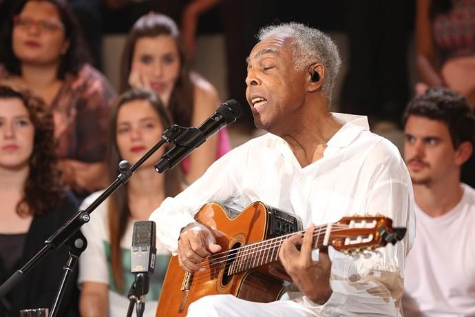 Gil solta a voz ao lado de Caetano (Foto: Carol Caminha/Gshow)