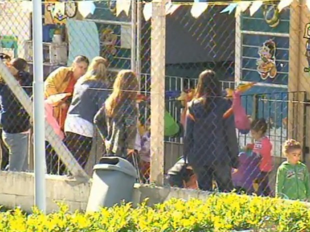 Segundo MP, quase 3 mil crianças aguardam vagas creches de Sorocaba  (Foto: Reprodução/TV TEM)