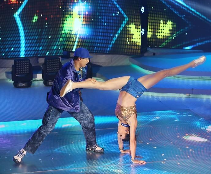 Maurren Maggi mostrou toda sua flexibilidade no funk (Foto: Carol Caminha/Gshow)