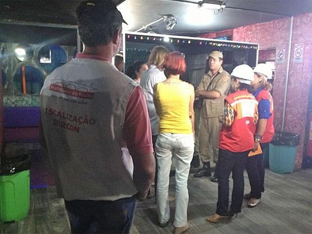 Boate Metrópole passou por vistoria nesta sexta (Foto: Wanessa Andrade/Globo Nordeste)