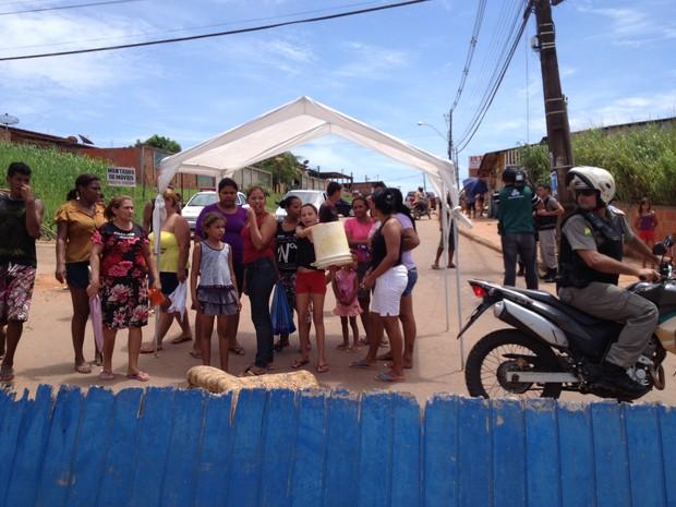 Manifestação de moradores (Foto: Yuri Marcel/G1)