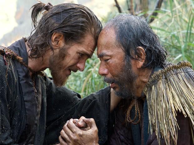 Andrew Garfield e Shin'ya Tsukamoto em cena do filme (Foto: Divulgação)