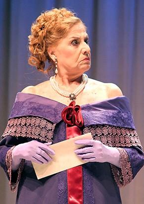 "Jacqueline Laurence em ""As Eruditas"" (Foto: Chico Lima)"