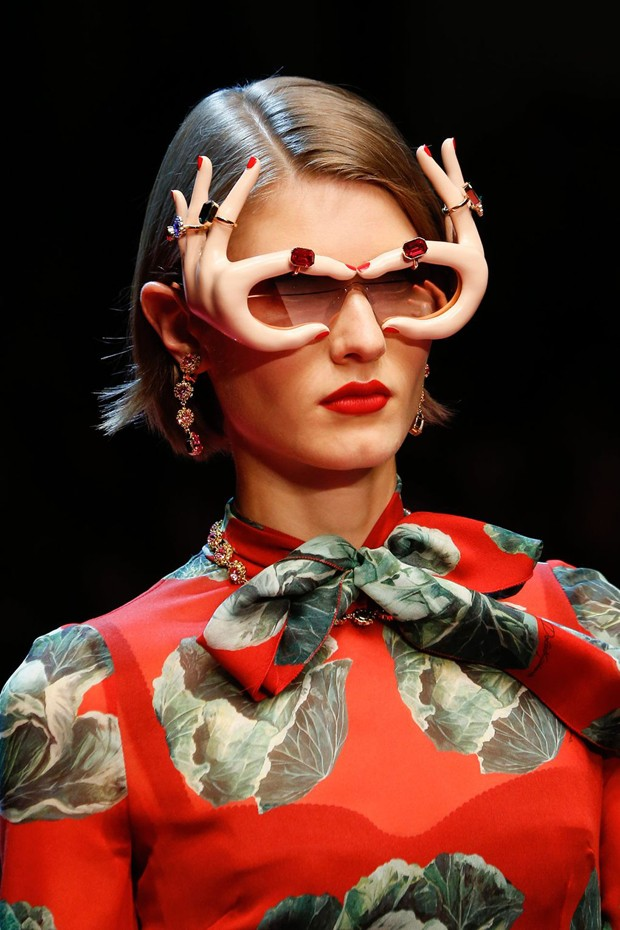 Óculos da Dolce & Gabbana na MFW (Foto: Getty Images)