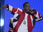 Sean Diddy Combs cai e Janet Jackson se emociona no BET Awards