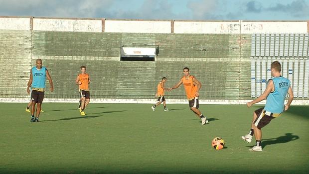 botafogo-pb treino do botafogo-pb (Foto: Lucas Barros / Globoesporte.com/pb)