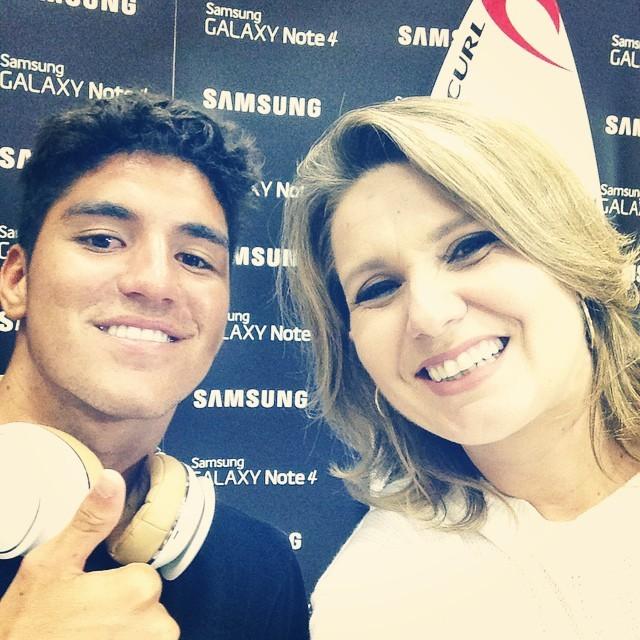 Vanessa Faro faz selfie com o surfita Gabriel Medina (Foto: arquivo pessoal)