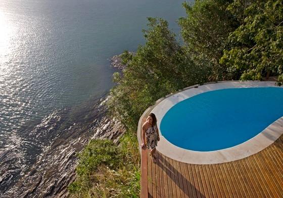 Uma das piscinas do Insólito, situado em uma praia de Búzios: o hotel trouxe o conforto buscado pelos turistas europeus (Foto: © Haroldo Castro/ÉPOCA)