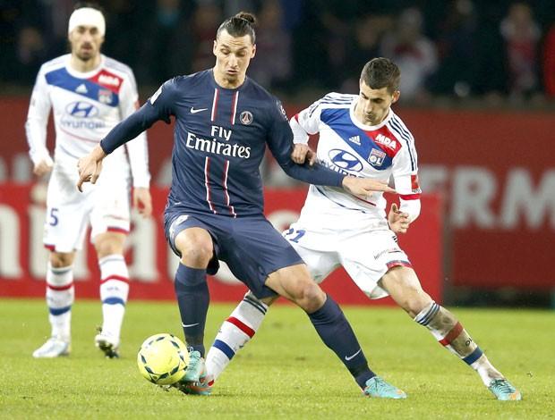 Ibrahimovic. PSG e Lyon (Foto: Agência Reuters)