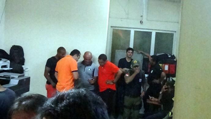 Val Barreto foi parar na delegacia no Mangueirão (Foto: Pedro Cruz)